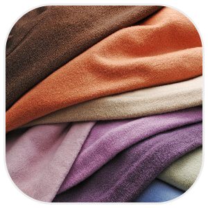 多種多彩な色の毛布