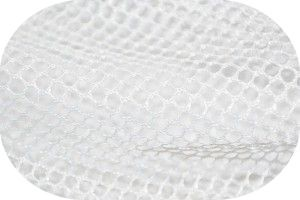 洗濯ネットを使えば、クリーニング代を節約して毛布を洗うことができます!