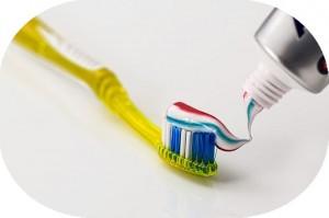 歯磨きで口の中を刺激すると目が覚める