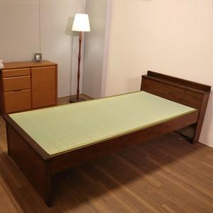 日本製の畳ベッド