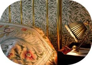 アイアンフレームのベッド