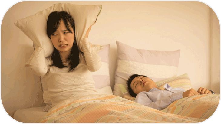 いびきがうるさい!ストレスを感じるとひどくなるの?原因と対策